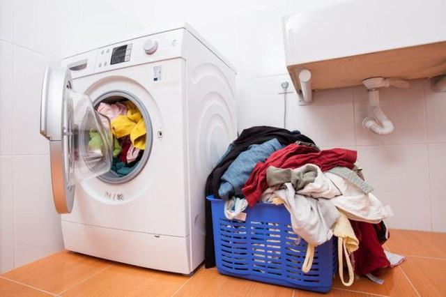Mẹo dùng máy giặt tiết kiệm năng lượng - Ảnh 2.