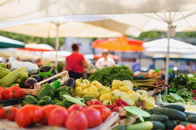 Thực phẩm sạch và chợ phiên nông sản - Ảnh 1.