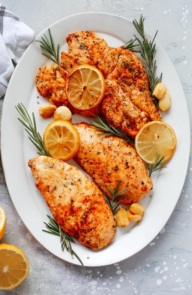 3 món ăn từ ức gà cho người muốn giảm cân - Ảnh 3.