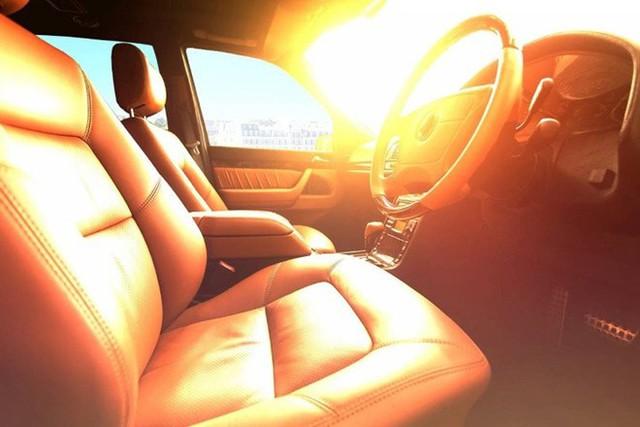 Mẹo làm mát nhanh ôtô đỗ lâu dưới trời nắng nóng - Ảnh 1.