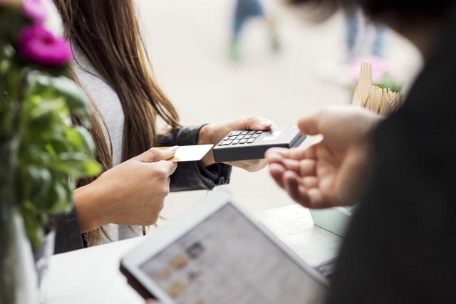 Tiêu dùng không tiền mặt: cần tăng cường bảo mật - Ảnh 2.