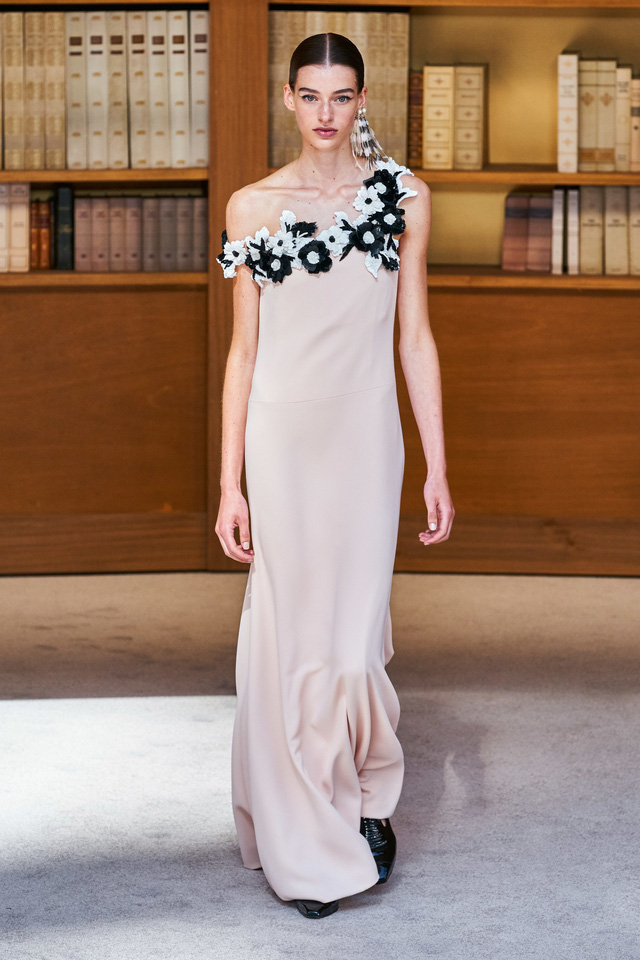 BST Haute Couture Thu – Đông 2019 của Chanel: cổ điển và tinh tế - Ảnh 10.