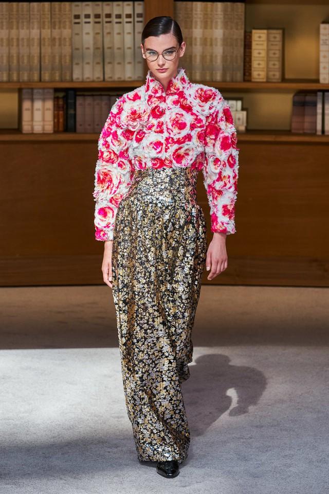 BST Haute Couture Thu – Đông 2019 của Chanel: cổ điển và tinh tế - Ảnh 13.