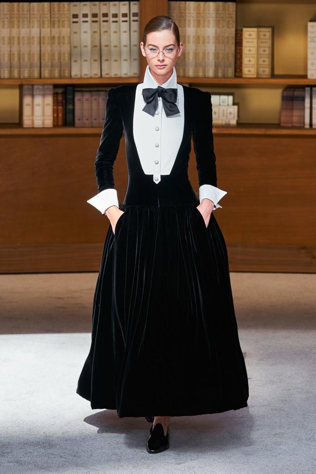 BST Haute Couture Thu – Đông 2019 của Chanel: cổ điển và tinh tế - Ảnh 14.