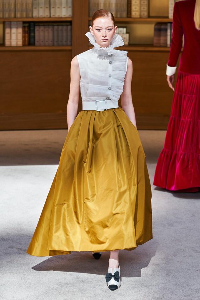 BST Haute Couture Thu – Đông 2019 của Chanel: cổ điển và tinh tế - Ảnh 15.