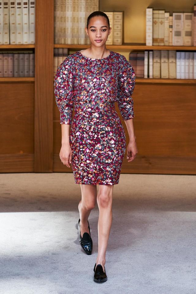 BST Haute Couture Thu – Đông 2019 của Chanel: cổ điển và tinh tế - Ảnh 18.
