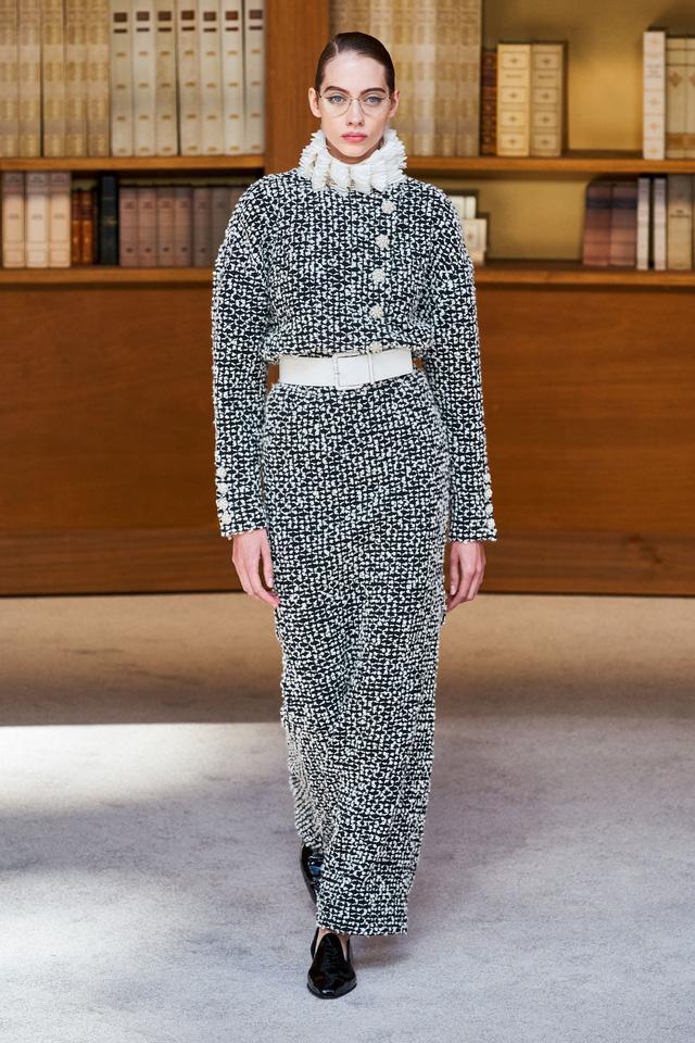 BST Haute Couture Thu – Đông 2019 của Chanel: cổ điển và tinh tế - Ảnh 19.