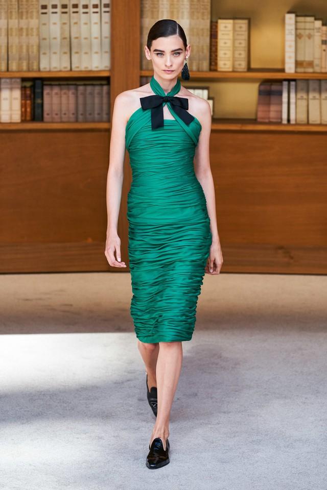 BST Haute Couture Thu – Đông 2019 của Chanel: cổ điển và tinh tế - Ảnh 20.