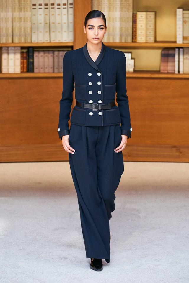 BST Haute Couture Thu – Đông 2019 của Chanel: cổ điển và tinh tế - Ảnh 3.