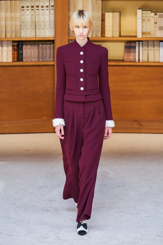 BST Haute Couture Thu – Đông 2019 của Chanel: cổ điển và tinh tế - Ảnh 4.