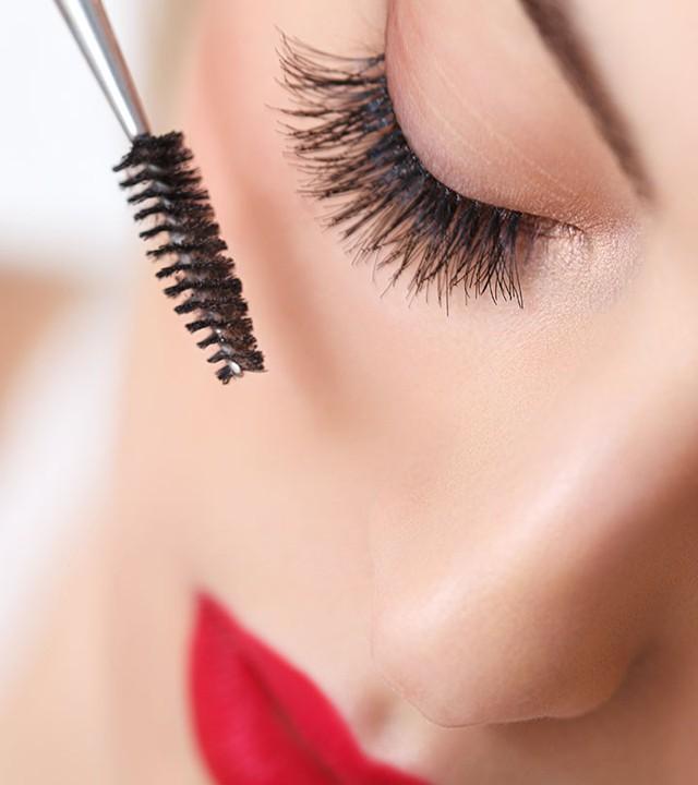 Dùng mascara thế nào để có được đôi mắt đẹp? - Ảnh 1.