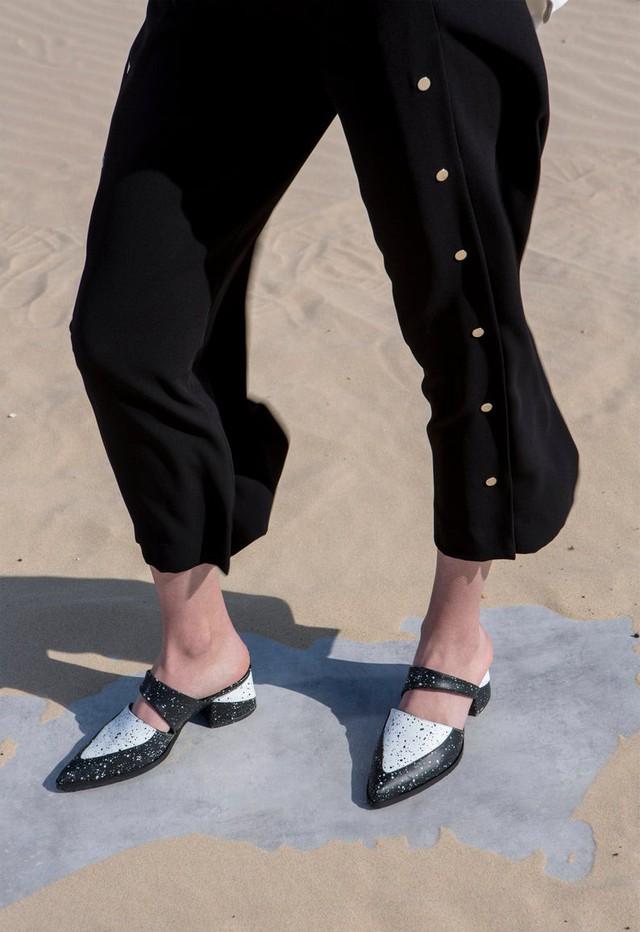 Diện giày mules xuống phố ngày hè - Ảnh 10.