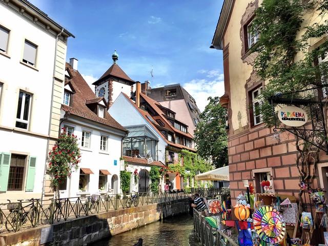 Freiburg: thành phố xanh đẹp như cổ tích - Ảnh 2.