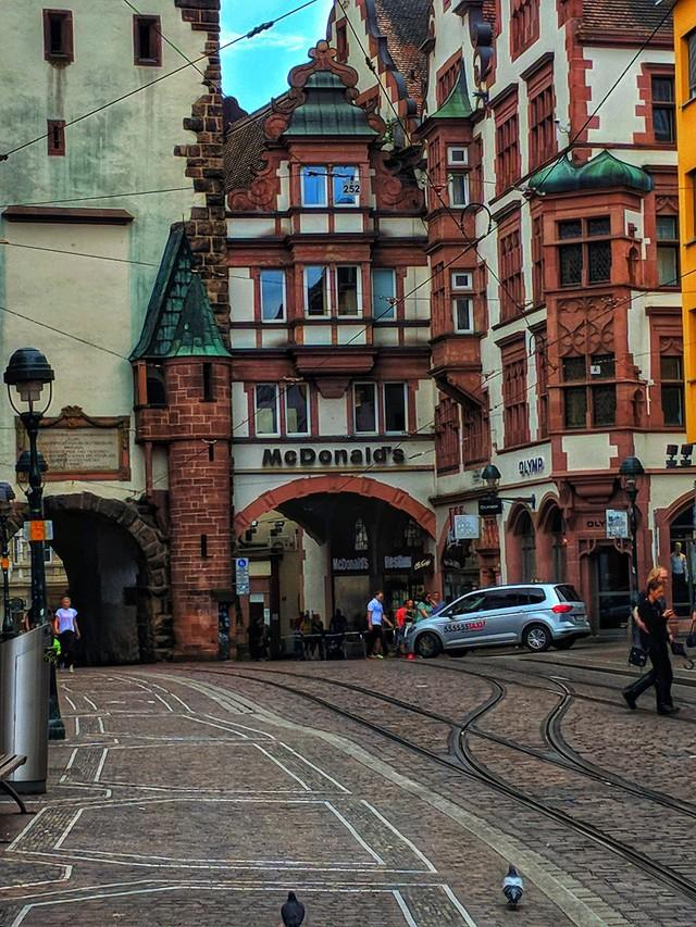 Freiburg: thành phố xanh đẹp như cổ tích - Ảnh 8.