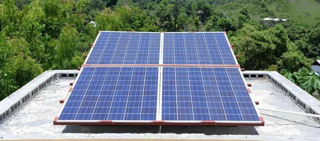 Lắp đặt điện mặt trời áp mái: được hỗ trợ 15% chi phí - Ảnh 1.