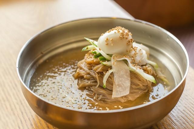 Đánh tan cái nóng Busan với món mỳ Milmyeon - Ảnh 1.