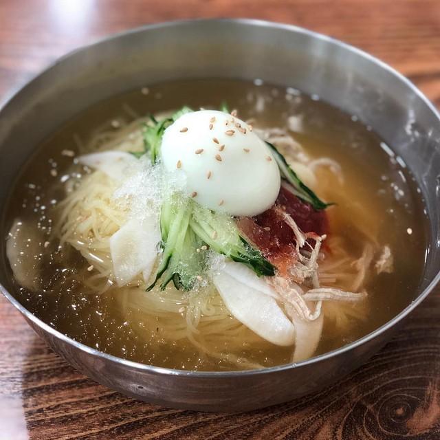 Đánh tan cái nóng Busan với món mỳ Milmyeon - Ảnh 5.