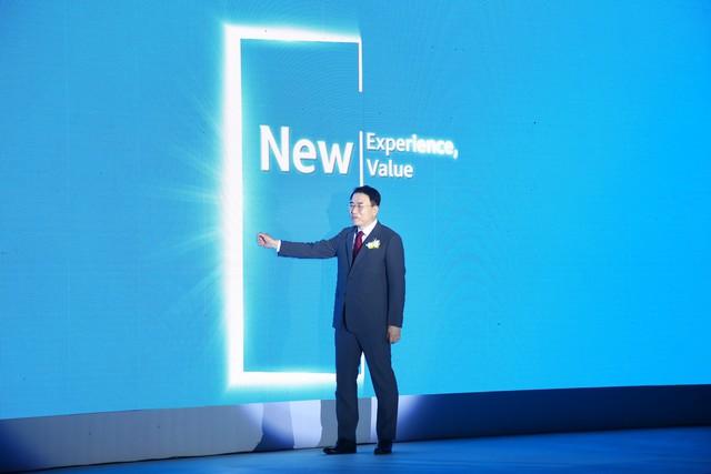 Shinhan Finance ra mắt hệ thống nhận diện thương hiệu tại Việt Nam - Ảnh 1.