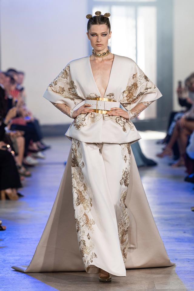BST Haute Couture Thu - Đông 2019 của Elise Saab: phương Đông huyền bí - Ảnh 14.