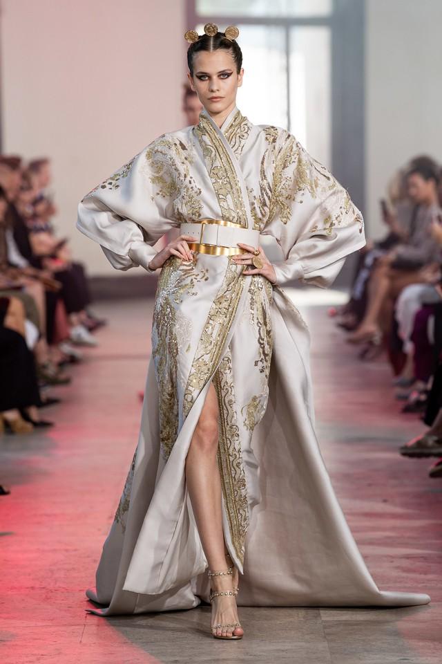 BST Haute Couture Thu - Đông 2019 của Elise Saab: phương Đông huyền bí - Ảnh 18.
