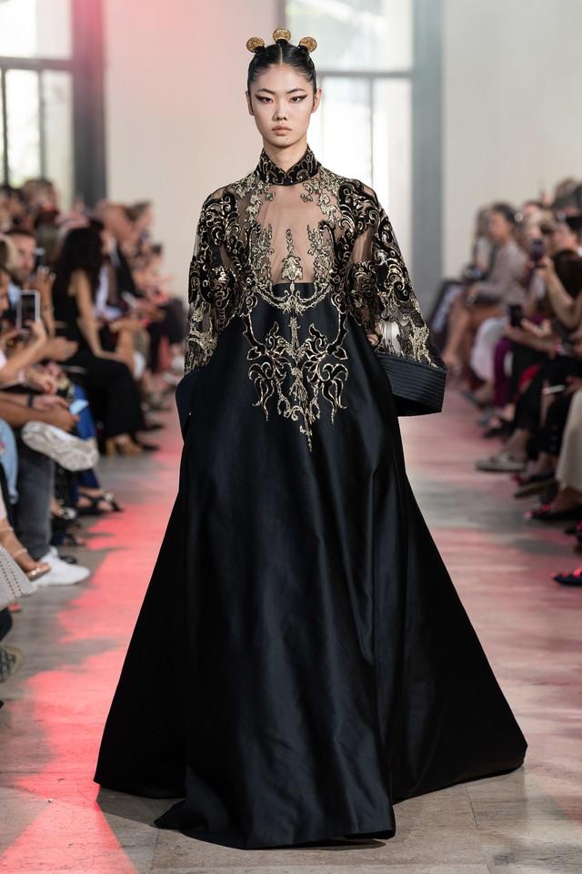 BST Haute Couture Thu - Đông 2019 của Elise Saab: phương Đông huyền bí - Ảnh 19.