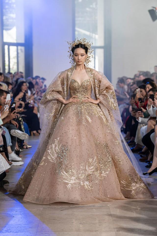BST Haute Couture Thu - Đông 2019 của Elise Saab: phương Đông huyền bí - Ảnh 20.