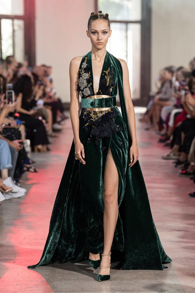 BST Haute Couture Thu - Đông 2019 của Elise Saab: phương Đông huyền bí - Ảnh 9.