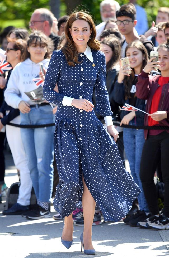 Diện váy vintage như công nương Kate Middleton, bạn đã biết cách chưa? - Ảnh 9.