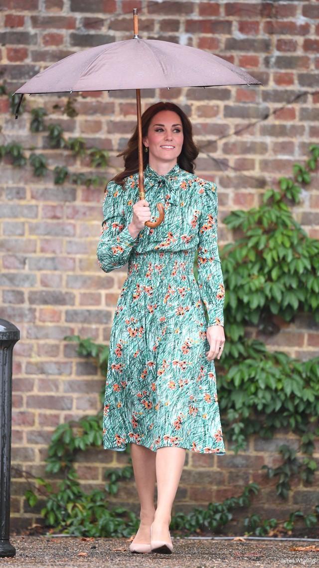 Diện váy vintage như công nương Kate Middleton, bạn đã biết cách chưa? - Ảnh 11.
