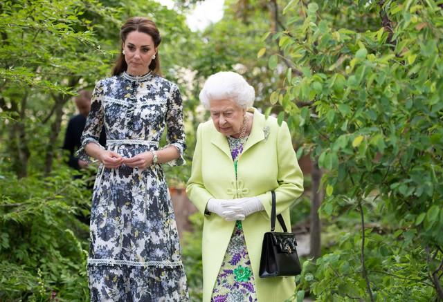 Diện váy vintage như công nương Kate Middleton, bạn đã biết cách chưa? - Ảnh 15.