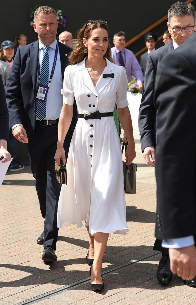 Diện váy vintage như công nương Kate Middleton, bạn đã biết cách chưa? - Ảnh 1.