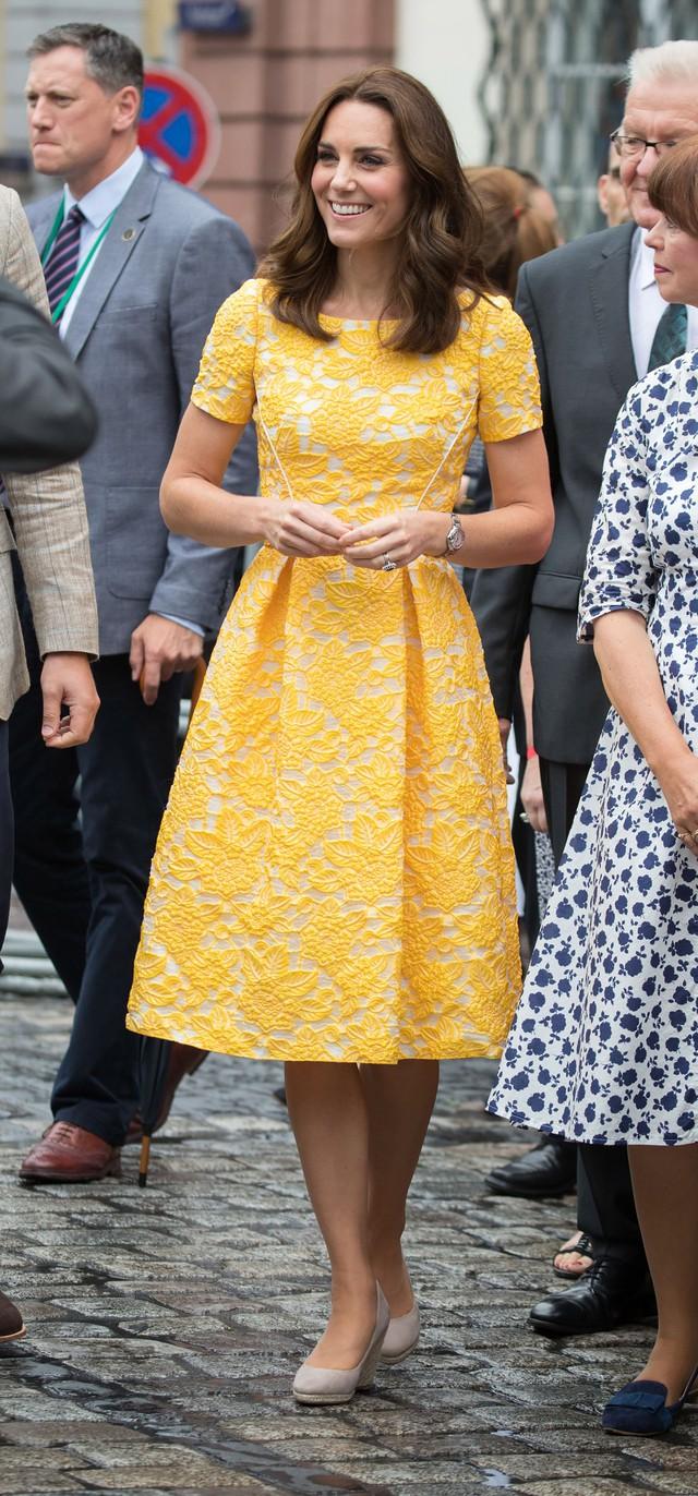 Diện váy vintage như công nương Kate Middleton, bạn đã biết cách chưa? - Ảnh 5.