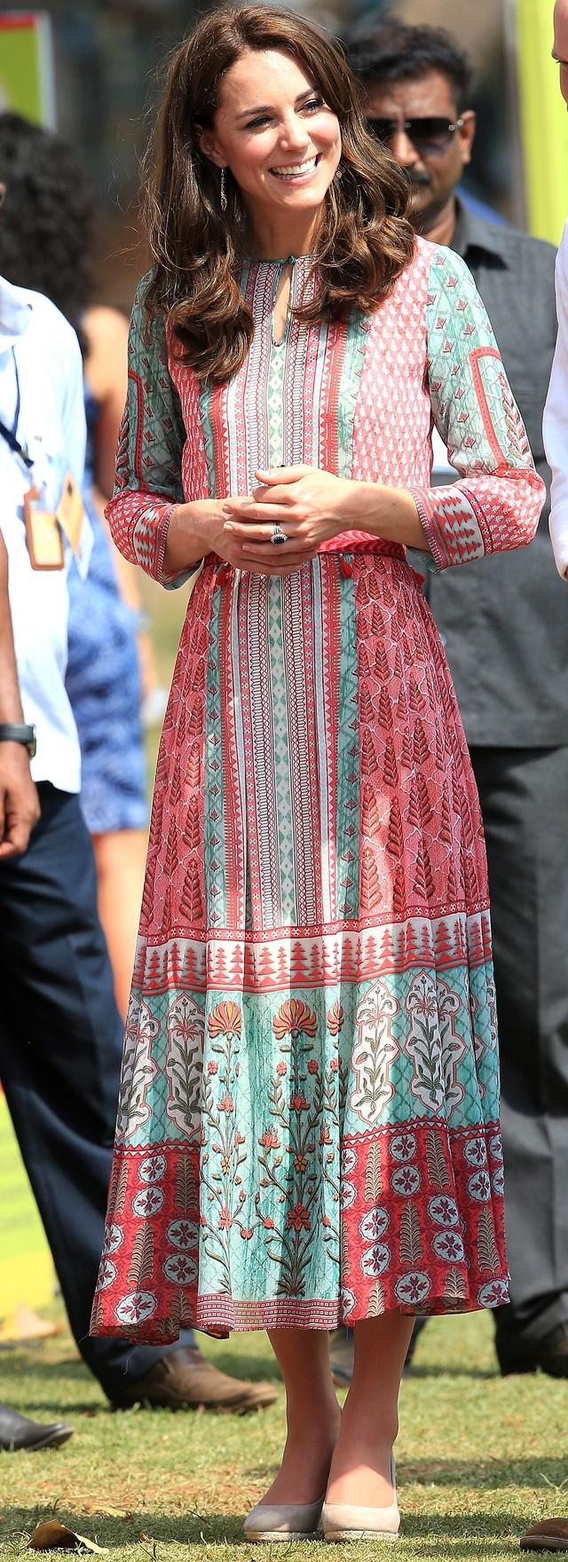 Diện váy vintage như công nương Kate Middleton, bạn đã biết cách chưa? - Ảnh 8.