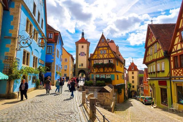 Rothenburg: thị trấn lãng mạn nhất nước Đức - Ảnh 4.