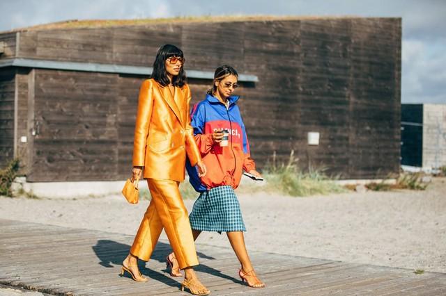Trang phục street style tại Tuần lễ thời trang Copenhagen 2020 - Ảnh 1.
