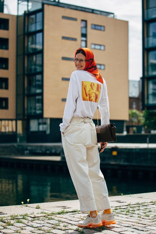 Trang phục street style tại Tuần lễ thời trang Copenhagen 2020 - Ảnh 14.