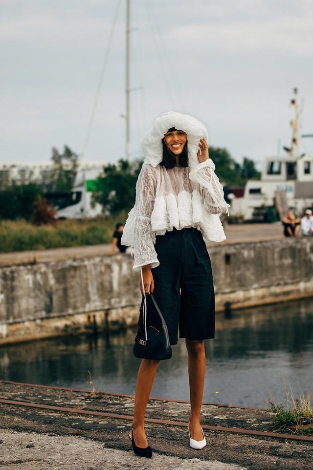 Trang phục street style tại Tuần lễ thời trang Copenhagen 2020 - Ảnh 19.