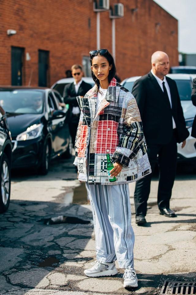 Trang phục street style tại Tuần lễ thời trang Copenhagen 2020 - Ảnh 5.