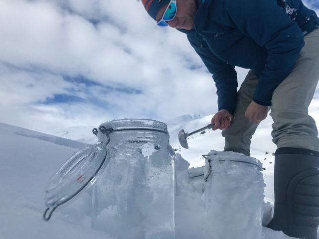 Hạt vi nhựa đã bay đến tận Bắc Cực - Ảnh 2.