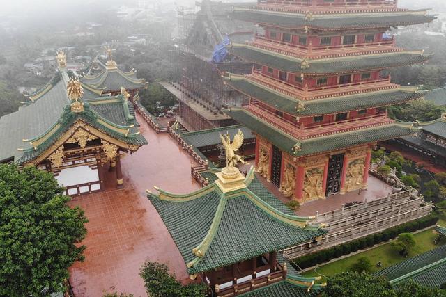 Ngôi chùa mang phong cách Nhật Bản giữa phố núi Gia Lai - Ảnh 2.