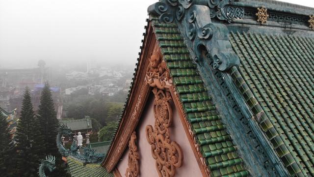 Ngôi chùa mang phong cách Nhật Bản giữa phố núi Gia Lai - Ảnh 8.
