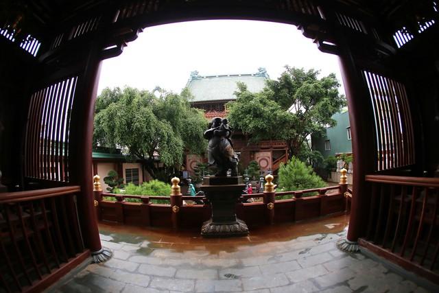 Ngôi chùa mang phong cách Nhật Bản giữa phố núi Gia Lai - Ảnh 6.