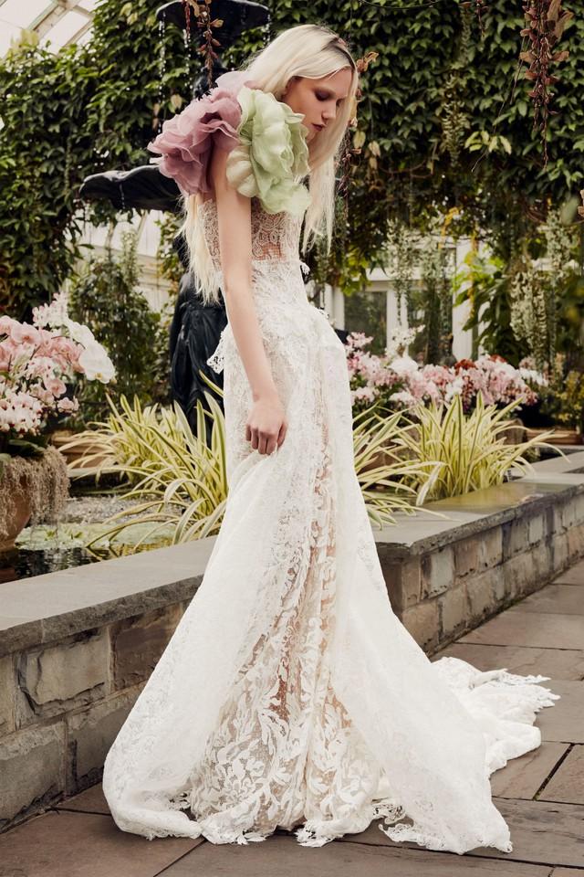 BST váy cưới Xuân – Hè 2020 của Vera Wang: đẹp 360 độ - Ảnh 7.
