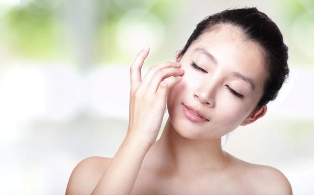 11 mẹo để có được làn da siêu mềm mịn - Ảnh 2.