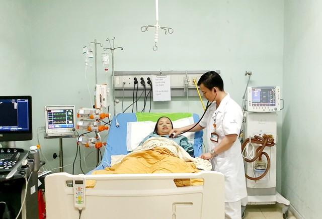 Cứu sống sản phụ hôn mê - ngừng tuần hoàn do tắc mạch ối - Ảnh 1.