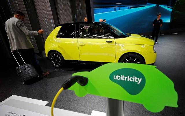 Nhiều mẫu ô tô điện xuất hiện tại IAA Frankfurt 2019 - Ảnh 5.
