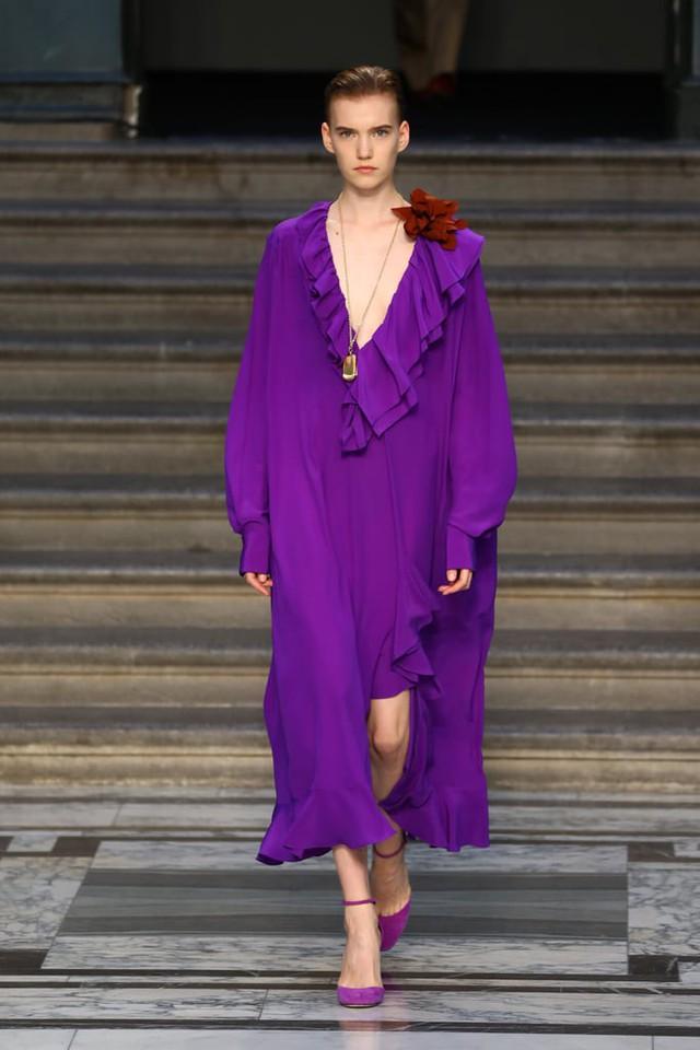 BST mới nhất của Victoria Beckham tại London Fashion Week 2020 - Ảnh 8.