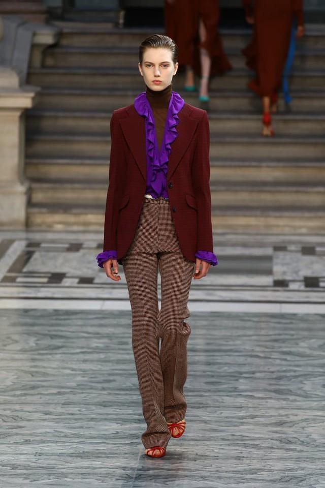BST mới nhất của Victoria Beckham tại London Fashion Week 2020 - Ảnh 19.