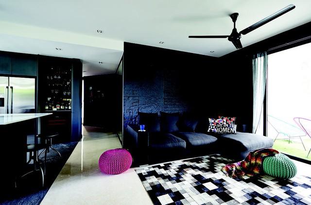 Màu đen cho mảng tường nội thất: có nên không? - Ảnh 1.