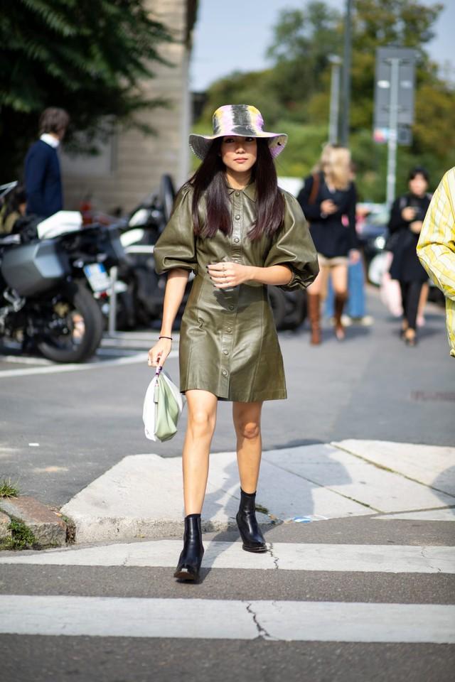 Chất liệu da nhuộm phủ sóng Milan Fashion Week - Ảnh 4.